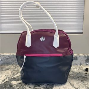 Rare Lululemon Gym retro bag- excellent condition